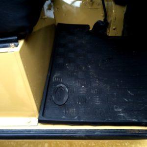 1978 LR LHD Santana 88 Hardtop A Mustard Yellow new front floor mats