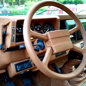 1983 LR LHD Defender 110 V8 A dash left