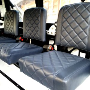 1983 Land Rover Defender 110 LHD Soft Top C 3 jump seats