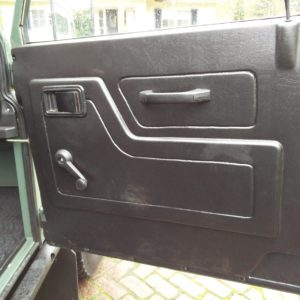 1985 Landrover 90 LHD Truckcab Kesw. Freestyle done doortrim
