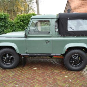 1985 Landrover 90 LHD Truckcab Kesw. Freestyle done left side