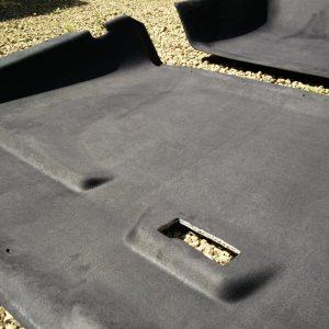 1986 LR LHD 110 SW 3.5 V8 Black black alston headliner close up