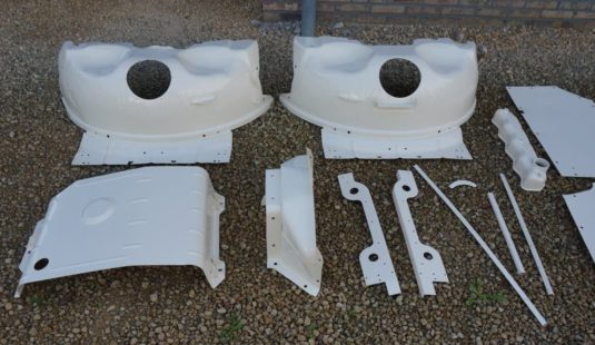 1987 Land Rover Defender 110 LHD White 2.5 Td restoration body parts powdercoated 1