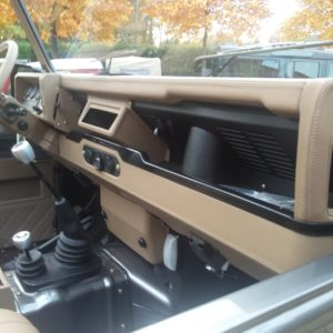 1990 LR LHD 110 Tithonus Grey day 25 dash and trim right