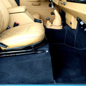 1992 LR LHD 110 Blue 200 tdi day 52 interior seatbase right