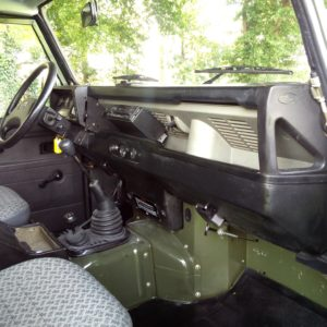 1992 LR LHD Defender 90 200 Tdi A Eastnor Green interior dash and trim