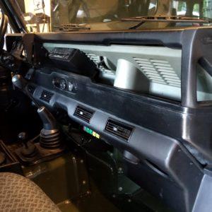 1992 LR LHD Defender 90 200 Tdi Eastnor Green update AC installation