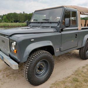 1990 LR LHD D90 V8 AC Heritage Grey A left front