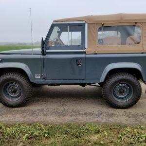 1990 LR LHD D90 V8 AC Heritage Grey AA left side