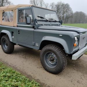 1990 LR LHD D90 V8 AC Heritage Grey AA right front