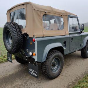 1990 LR LHD D90 V8 AC Heritage Grey AA right rear