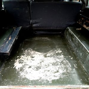 1991 LR LHD 110 5dr 200 Tdi Green interior loadfloor
