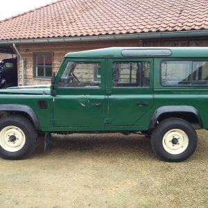 1991 LR LHD 110 5dr 200 Tdi Green left side