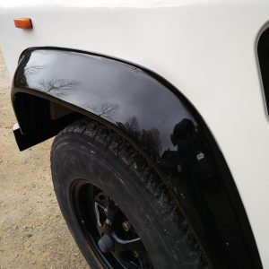 1991 LR LHD Defender 90 S White 200 tdi C gloss black front arch