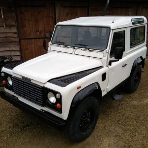 1991 LR LHD Defender 90 S White 200 tdi C left front top