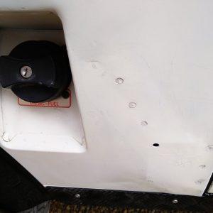1991 LR LHD Defender 90 S White 200 tdi C rear quarter dent