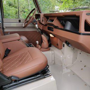 1992 LR LHD 90 200 Tdi Mocca A dash and trim