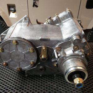 1992 LR LHD Defender 110 rebuild gearbox side