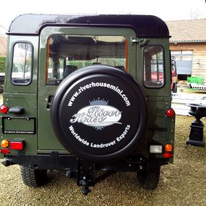 1992 LR LHD Defender 3 dr 200 Tdi A Eastor Green rear
