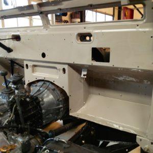 1992 LR LHD Defender 90 200 Tdi Mocc building day 2 bulkhead installation