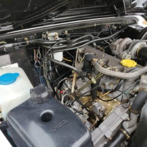 1993 LR LHD 110 Fuji White A 18 inch engine bay
