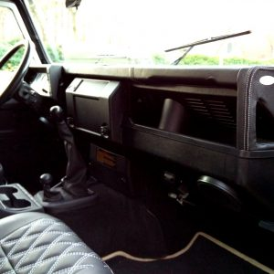 1993 LR LHD 110 Fuji White A dash and trim