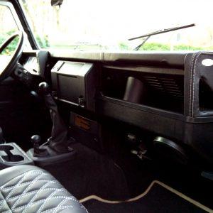 1993 LR LHD 110 Fuji White A dash and trim