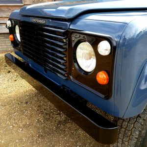 1991 LR LHD Defender 90 Tdi Arles Blue A grill close