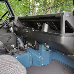 1991 LR LHD Defender 90 Tdi Arles Blue AA dash and trim