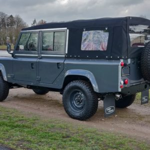 Defender 110 td4 Puma Land rover defender, Land rovers en