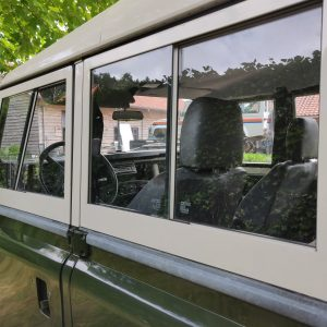 1984 LR LHD Defender 127 Eastnor Green A removable doortops left