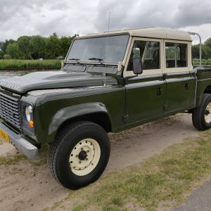 1984 LR LHD Defender 127 Eastnor Green B left front