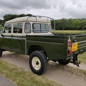 1984 LR LHD Defender 127 Eastnor Green B left rear