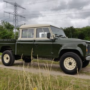 1984 LR LHD Defender 127 Eastnor Green B right front