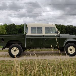 1984 LR LHD Defender 127 Eastnor Green B right side