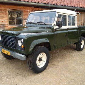 1984 LR LHD Defender 127 Eastnor Green left front
