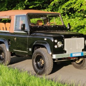 1991 LR LHD Defender 90 Tdi Black 1 Chestnut Top right front