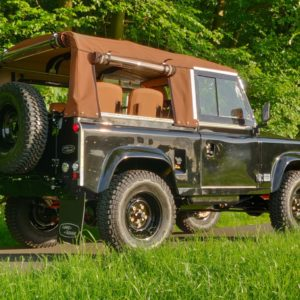 1991 LR LHD Defender 90 Tdi Black 1 Chestnut Top right rear