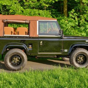 1991 LR LHD Defender 90 Tdi Black 1 Chestnut Top right side