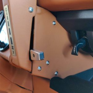 1991 LR LHD Defender 90 Tdi Black A Chestnut Top speedo housing side