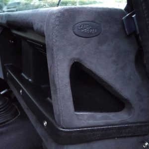 1999 LR LHD Defender 130 Nardo Grey A dash handle alcantara