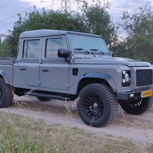 1999 LR LHD Defender 130 Nardo Grey A right front