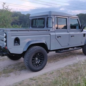 1999 LR LHD Defender 130 Nardo Grey A right rear