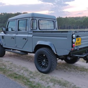 2001 LR LHD Defender 130 Nardo Grey B left rear