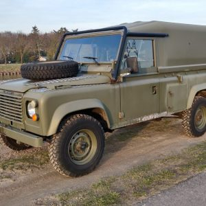 1986 LR LHD Defender Tithonus left front