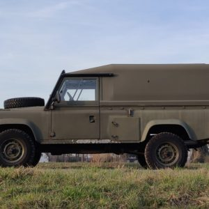 1986 LR LHD Defender Tithonus left side