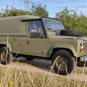 1986 LR LHD Defender Tithonus right front