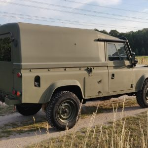 1986 LR LHD Defender Tithonus right rear