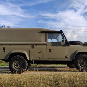 1986 LR LHD Defender Tithonus right side