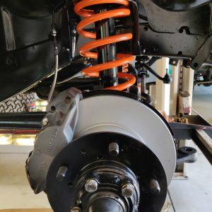 1988 LR LHD Defender 110 Td White rebuild front brakes RH